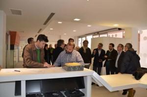 En primer término, Anotnio Muñoz, arquitecto municipal, y José Adrover, aparejador de la obra, en el acto de firma de recpeción de la obra