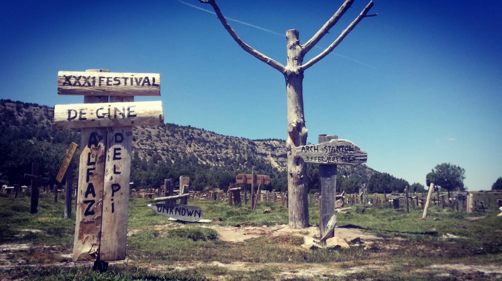 Festival Cine_cementerio sad hill tumba 31 festival cine l'alfàs del pi 03